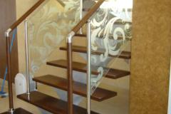 лестница-с-каленым-стеклом