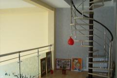 металлическая-винтовая-лестница