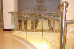 стекло-и-с-рисунком-перила