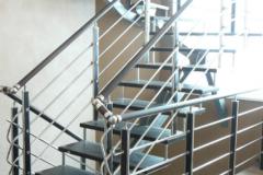 черная-лестница-с-перилами