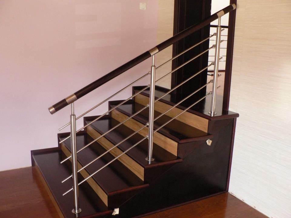 высота перила для лестниц в доме