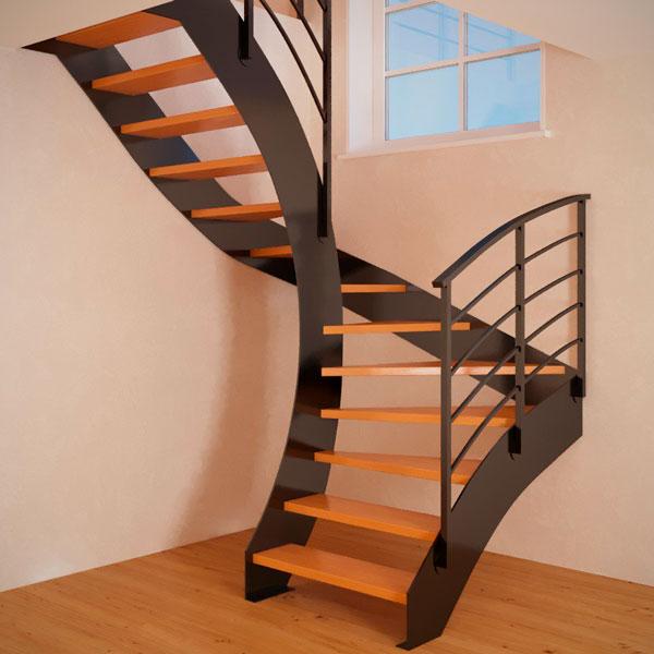 Полувинтовая лестница на тетиве