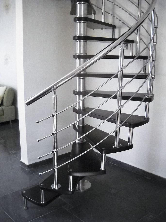 Нержавеющие ограждения для винтовой лестницы